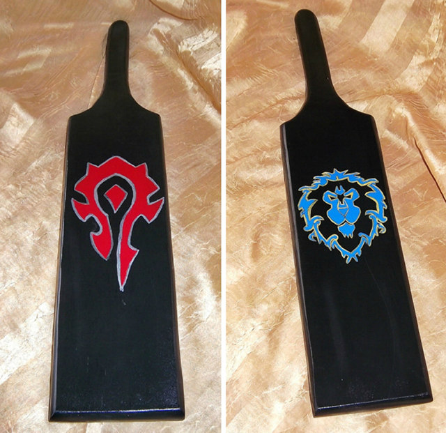 horde-alliance-paddles